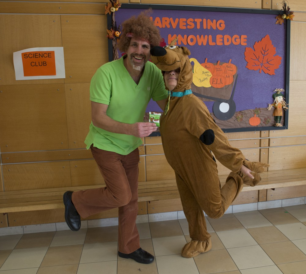 Teachers dressed as scooby and shaggy